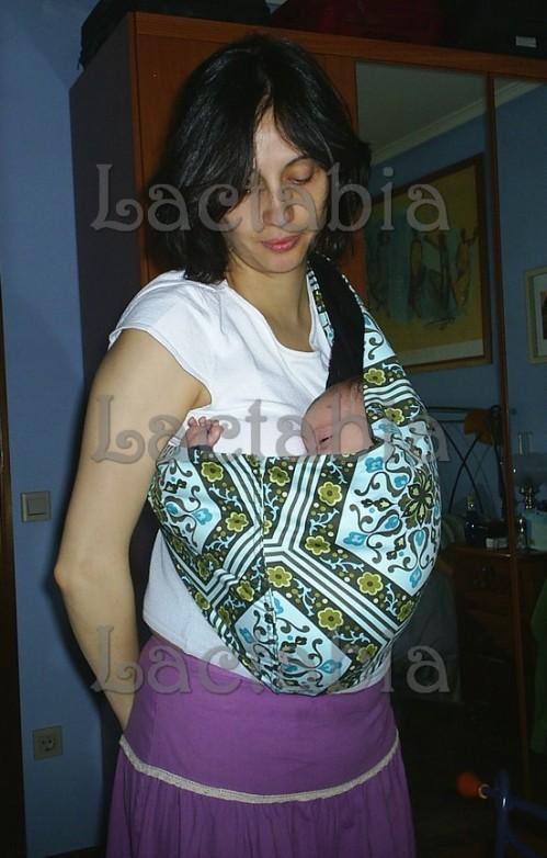 bebé de 3 meses en pouch
